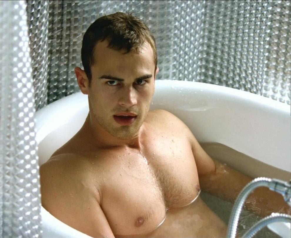 theo-james-bathtub-nude